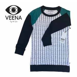 Veena Eye Am Seen Long Sleeve Tee Shirt w. Pockets